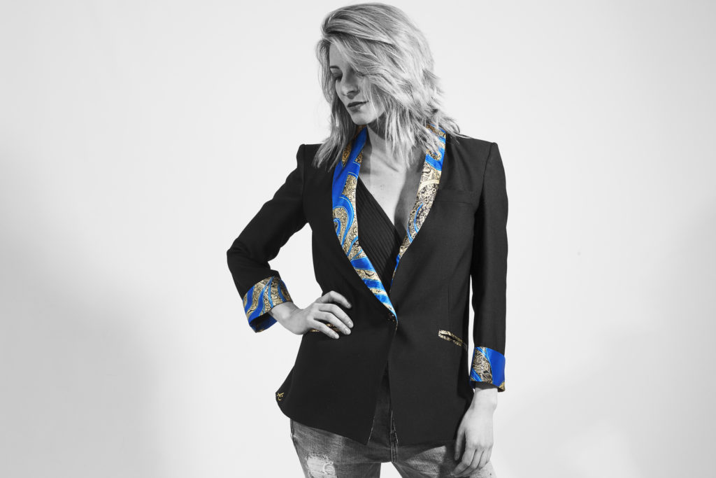 Angela Blazer India azul
